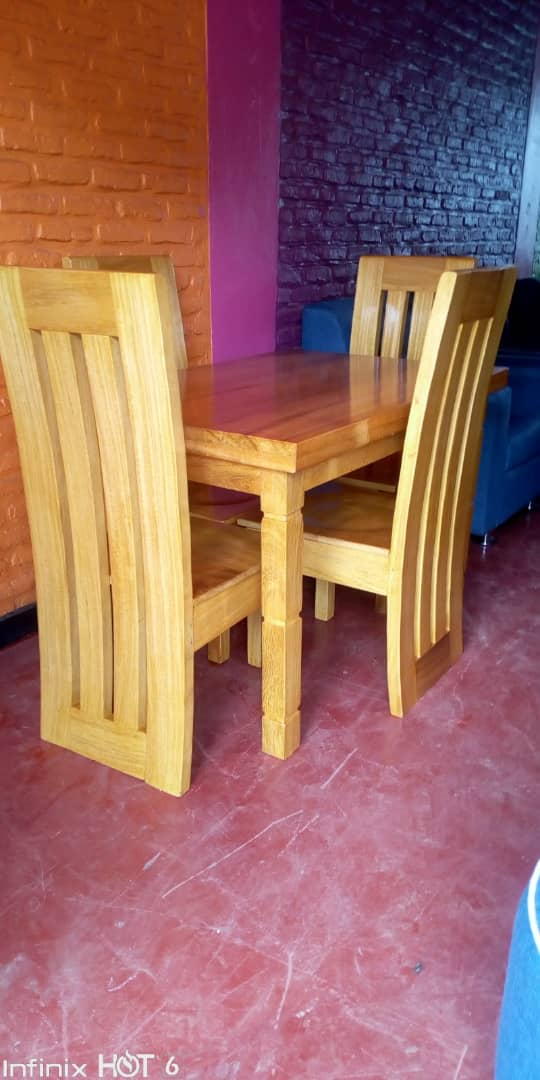 Dining table nziza